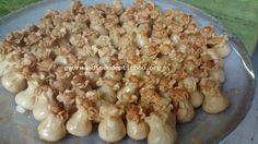 Kamoussa fleur aux amandes http://gourmandisesdeptichou.org/ http://petitchoubakes.com/