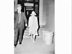 Unidentified witness in the Bogle-Chandler case, Central Court, Inquest, May 1963.   From the collection of of the State Library of NSW.