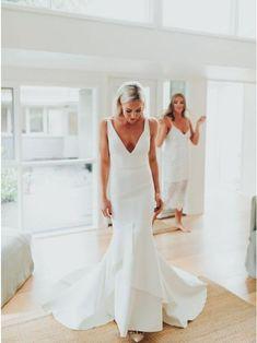 V Neck Wedding Dress, Classic Wedding Dress, Backless Wedding, Modern Wedding Dresses, Lace Wedding, Crepe Wedding Dress, Minimalist Wedding Dresses, V Neck Fit And Flare Wedding Dress, White Simple Wedding Dress
