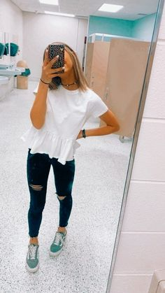 Cute Simple Outfits, Trendy Summer Outfits, Cute Comfy Outfits, Cute Fall Outfits, Basic Outfits, Teen Fashion Outfits, Retro Outfits, Look Fashion, Cool Outfits