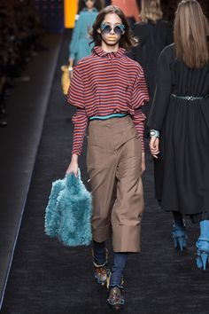Fendi Fall 2016 Ready-to-Wear Collection Photos - Vogue
