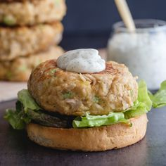 up close tuna burger with dill mayonnaise sauce Easy Tuna Recipes, Canned Salmon Recipes, Side Dish Recipes, Healthy Recipes, Burger Recipes, Dinner Recipes, Healthy Food, Healthy Tuna, Smoker Recipes