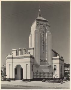 Specification Motor Oil station, Washington and 8th Avenue, Los Angeles. Circa 1920s.