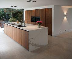Minimal Kitchen Design, Kitchen Room Design, Contemporary Kitchen Design, Home Decor Kitchen, Kitchen Layout, Kitchen Interior, Home Kitchens, Open Plan Kitchen Living Room, Kitchen Dinning