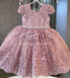 Image may contain: one or more people and people standing Baby Girl Dress Patterns, Little Girl Dresses, Baby Dress, Kids Prom Dresses, African Dresses For Kids, Long Frocks For Kids, Frocks For Girls, 1st Birthday Girl Dress, Baby Frocks Designs