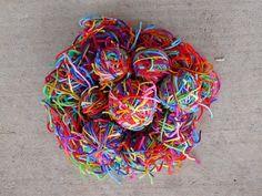 "little bits of scrap yarn, tied together, to make Raveler delquilter's ""magic bl. Scrap Yarn Crochet, Crochet Mat, Knitting Yarn, Yarn Storage, Yarn Bag, Yarn Bombing, Pet Mat, Yarn Colors, Crochet Projects"