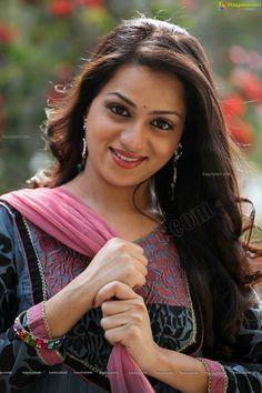 Reshma rathore Beautiful Girl Image, Beautiful Long Hair, Beautiful Asian Women, Beautiful Gorgeous, Beautiful Bollywood Actress, Most Beautiful Indian Actress, South Indian Actress Hot, Glamorous Makeup, Exotic Women