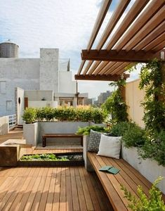 The pergola kits are the easiest and quickest way to build a garden pergola. There are lots of do it yourself pergola kits available to you so that anyone could easily put them together to construct a new structure at their backyard. Outdoor Rooms, Outdoor Gardens, Outdoor Living, Outdoor Decor, Rooftop Gardens, Rooftop Patio, City Gardens, Outdoor Seating, Rooftop Lounge