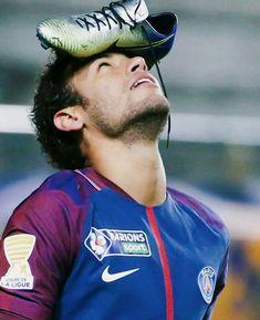 Neymar Jr, Football Soccer, Football Players, Paris Saint Germain Fc, Van Persie, Best Player, Lionel Messi, Fifa, Celebrities