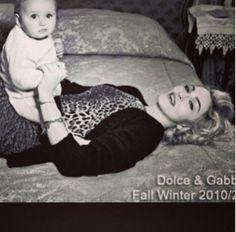 Madonna defende gays em post contra dupla Dolce & Gabbana (Foto: Reprodução Instagram) - http://epoca.globo.com/colunas-e-blogs/bruno-astuto/noticia/2015/03/bmadonnab-defende-gays-em-post-contra-dupla-dolce-gabbana.html