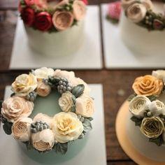 flowercake workshop, 꽃케이크 여섯개 #플라워케이크클래스 #flowercakeclass #flowercake #florist #플라워케이크 #버터크림 #buttercreamcake #creamcake #peony #써드아이엠