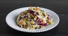 Greek cabbage salad -Politiki by the Greek chef Akis Petretzikis. Make easily and quickly this recipe for a traditional salad with cabbage, carrot, and herbs! Greek Recipes, Raw Food Recipes, Healthy Recipes, Foods That Contain Gluten, Dairy Free Diet, Cabbage Salad, Greek Salad, Salad Bar, Potato Salad