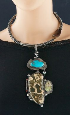 Turquoise Jewelry, Boho Jewelry, Jewelry Gifts, Jewelry Design, Unique Jewelry, Bisbee Turquoise, Wire Jewelry, Jewelry Art, Crystal Jewelry