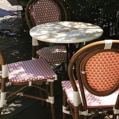 Afternoon bistro chair escape ☕️ Photo: @ateliercolette #bistrochair #bistrochairs #MaisonMidi #MaisonMidiStyle  #Regram via @maisonmidi