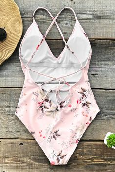 Cupshe Shallow Waters Print One-piece Swimsuit . One Piece Swimwear, One Piece Swimsuit, Bandeau Tankini, Floral Swimsuit, Cute Bathing Suits, Swimming Costume, Cute Swimsuits, Nylons, Beachwear