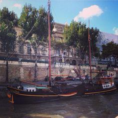 #Paris #travel #tourist #boat #love #amazing #smile #follow4follow #like4like # | OnInStagram