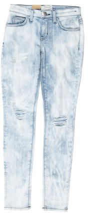 Light wash blue Current/Elliott mid-rise distressed skinny jeans with contrast stitching, five pockets and zip closure at front. Mid Rise Skinny Jeans, Distressed Skinny Jeans, Stylish, Clothes, Denim, Tops, Women, Fashion, Outfits