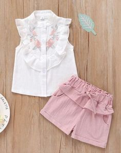 To find out about the Toddler Girls Floral Embroidered Ruffle Trim Top With Shorts at SHEIN, part of our latest Toddler Girl Two-piece Outfits ready to shop online today! Baby Girl Frocks, Frocks For Girls, Kids Frocks, Toddler Girl Dresses, Girls Dresses, Toddler Girls, Cute Toddler Girl Clothes, Toddler Hair, Children Clothes
