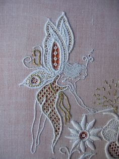 French blog with spectacular whitework.  Someplace on the blog is a wonderful seahorse. Bjarne shared it.