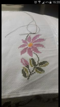 This Pin was discovered by Sem Cross Stitch Embroidery, Hand Embroidery, Cross Stitch Boards, Free To Use Images, Bargello, Cross Stitch Flowers, Blackwork, Flower Patterns, Diy And Crafts
