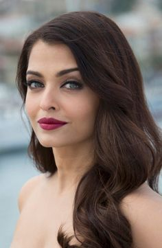 Aishwarya Rai Bachchan and her perfect pout at the 'Jazbaa' photocall at Cannes 2015. #Bollywood #Fashion #Style #Beauty #Cannes2015 #Jazbaa