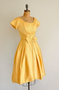 vintage 1950s holiday dress / 50s golden by simplicityisbliss