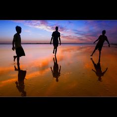 22 Atmospheric Silhouette Photographs
