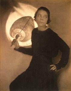 Edward Weston, The Fan (Margrethe Mather), 1917. Platinum/palladium print