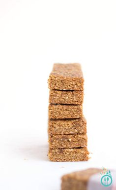 AMAZING Peanut Butter Quinoa Granola Bars made with only 5 ingredients!!