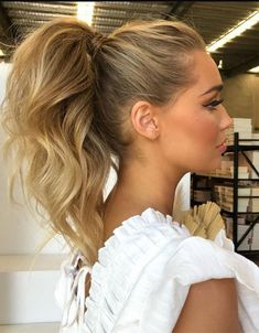 ponytail hairstyles If you have the long hair and you want to try the Fresh & Stunning Look in the modern year of 2020 then here you are on the right way. Just browse here and see High Pony Hairstyle, High Ponytail Hairstyles, Messy High Ponytails, Easy Hairstyle, Valentine's Day Hairstyles, Wedding Hairstyles, Simple Hairstyles, Little Girl Hairstyles, Medium Hairstyles