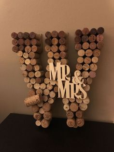 Wood Crafts Wine- Image Ideas – All WoodWorking Ideas & Crafts Wine Craft, Wine Cork Crafts, Wine Bottle Crafts, Crafts With Corks, Wine Bottle Corks, Bottles, Wine Cork Letters, Wine Cork Art, Wine Cork Monogram