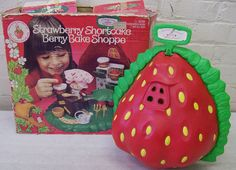 Retro Kenner 1980's Strawberry Shortcake Berry Bake Shop w/ Doll & Orig. Box | eBay