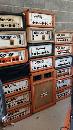 Early seventies Orange Matamp OR 100 serial 238 with cooper mathias rear badge .This is one of the early examples of the Cliff Cooper /Matt Mathias builds. Guitar Rig, Guitar Pedals, Music Guitar, Cool Guitar, Acoustic Music, Orange Amplifiers, Amp Settings, Music Down, Valve Amplifier