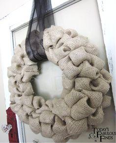 Crafting on a Budget: DIY: Burlap Bubble Wreath Tutorial Burlap Crafts, Wreath Crafts, Diy Wreath, Wreath Ideas, Felt Wreath, Wreath Making, Burlap Bubble Wreath, Burlap Wreaths, Burlap Ribbon