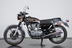 Classic Motors For Sale has classic cars for sale plus a selection of vintage cars from dealers and auctions in UK, US, and Europe. Classic Honda Motorcycles, Cars And Motorcycles, Classic Motors, Classic Cars, Cb Cafe Racer, Motor Car, Motor Vehicle, Honda Cb 500, Japanese Motorcycle