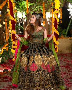 Awesome Bridal Photoshoot of Alizeh Shah for Kashees Pakistani Bridal Hairstyles, Pakistani Bridal Makeup, Bridal Mehndi Dresses, Pakistani Wedding Outfits, Bridal Dress Design, Pakistani Wedding Dresses, Bridal Lehenga, Indian Bridal, Nikkah Dress