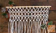 How to Macrame a Room Divider... Great tutorial!!