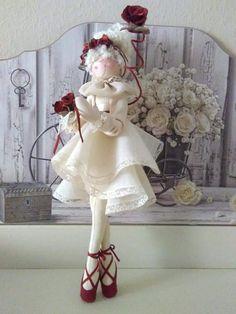Diy Rag Dolls, Diy And Crafts, Paper Crafts, Ballerina Doll, Fabric Brooch, Ribbon Art, Fairy Doors, Waldorf Dolls, Doll Toys