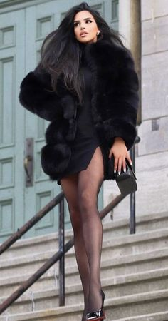 Mode Outfits, Sexy Outfits, Fashion Outfits, Fur Fashion, Fashion Styles, Womens Fashion, Style Fashion, Luxury Fashion, I Love Girls