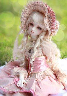 Such a beautiful coordination on a BJD