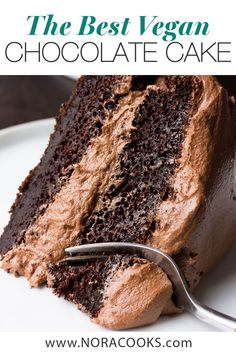 desserts vegan The Best Vegan Chocolate Cake - Nora Cooks Dairy Free Chocolate Cake, Best Vegan Chocolate, Easy Chocolate Desserts, Chocolate Cake Recipe Easy, Chocolate Chip Recipes, Chocolate Velvet Cake, Easy Homemade Desserts, Homemade Cake Recipes, Dessert Simple