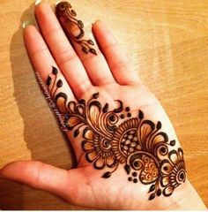 Henna Designs Easy on Palm with Flora Pattern Ideas and Simple Design 11-30-2018