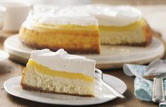 Very Vanilla Custard-Topped Cheesecake – Vanilla is in all the layers…the vanilla wafer crust, the cheesecake, custard topping, and the vanilla-infused COOL WHIP. Kraft Foods, Kraft Recipes, Vanilla Wafer Crust, Vanilla Custard, Cookie Desserts, Easy Desserts, Dessert Recipes, Dessert Ideas, Custard Recipes