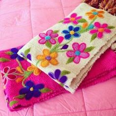 Image may contain: indoor Brush Embroidery, Hand Work Embroidery, Hand Embroidery Stitches, Ribbon Embroidery, Cross Stitch Embroidery, Machine Embroidery, Embroidery Designs, Bordado Floral, Mexican Embroidery