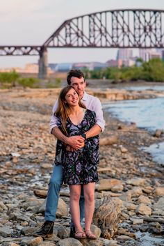 Discover some local gems that are beautiful backdrops for your engagement session!  #southernindiana #fallsoftheohio #engagementphotos