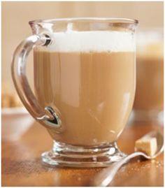 Café Royal: Prepárelo como nunca lo ha probado con su SAECO. (para 1 persona)  Ingredientes:  1 Cucharada de azúcar sin refinar  Cognac  1 Café Largo  Preparación:    Ponga en el fondo de un vaso templado o una taza para café un terrón de azúcar empapado de Cognac. Préndale fuego al terrón y cuando se apague, póngalo en su SAECO. Presioné el botón de café largo. Apenas termine de servir, disfrútelo.