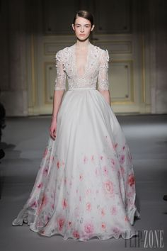 Georges Hobeika - Couture - Spring-summer 2013 | Via: Flip-Zone
