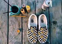 This is must see web content. Head to the webpage to read more on vans family. Click the link to find out more. Sock Shoes, Vans Shoes, Shoes Heels, Shoes Uk, Painted Vans, Painted Shoes, Mode Grunge, Custom Shoes, Vans Custom