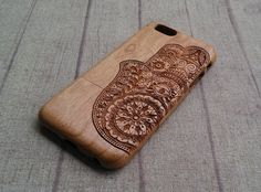 Hey, I found this really awesome Etsy listing at https://www.etsy.com/listing/215364334/wood-iphone-case-hamsa-hand-iphone-6plus