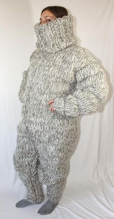 5 kg Wool Catsuit itchy and scratchy big turtleneck jumpsuit thick knit chunky wool jumpsuit knitted for men by Strickolino Catsuit, Pullover Outfit, Cat Sweaters, Cardigan Sweaters, Big Knits, Chunky Wool, Black Bodysuit, Sweater Outfits, Ugly Outfits